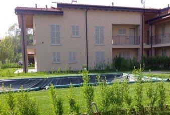 Monguzzo – Residenza Nuovo Borgo con piscina