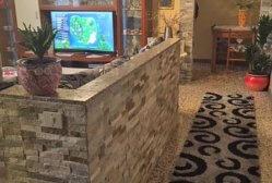 Erba – bilocale in centro con rivestimenti in pietra
